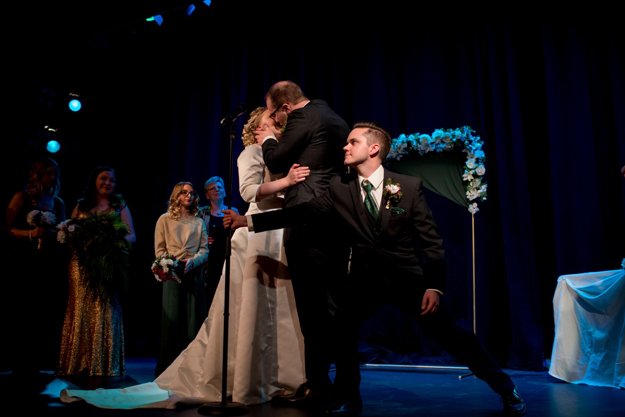 Best man saves wedding