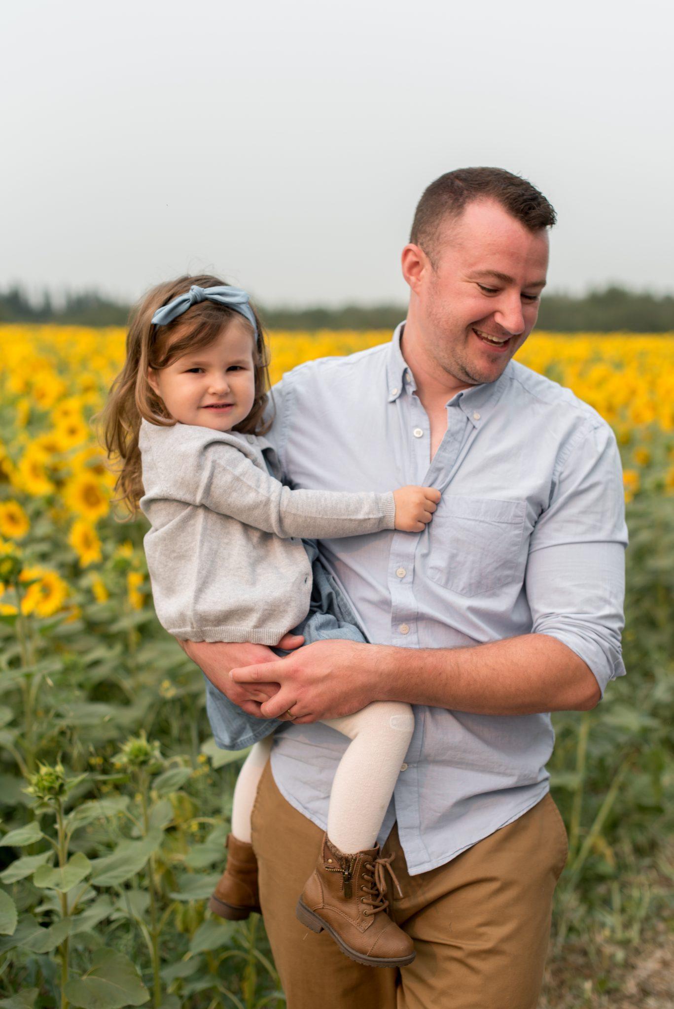 Edmonton Family Photos in a Sunflower Field