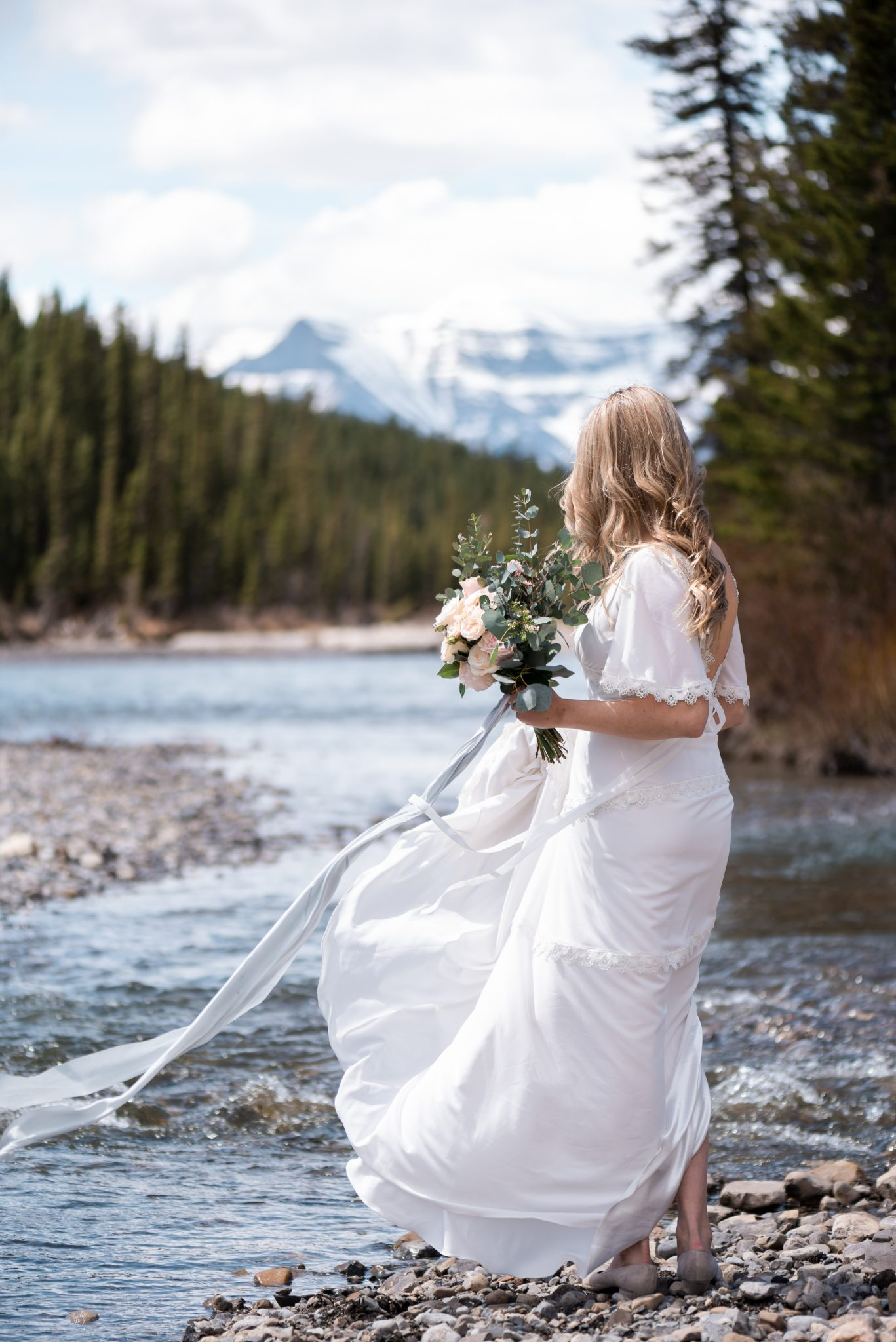 Western boho elopement inspiration in the Canadian Rocky Mountains