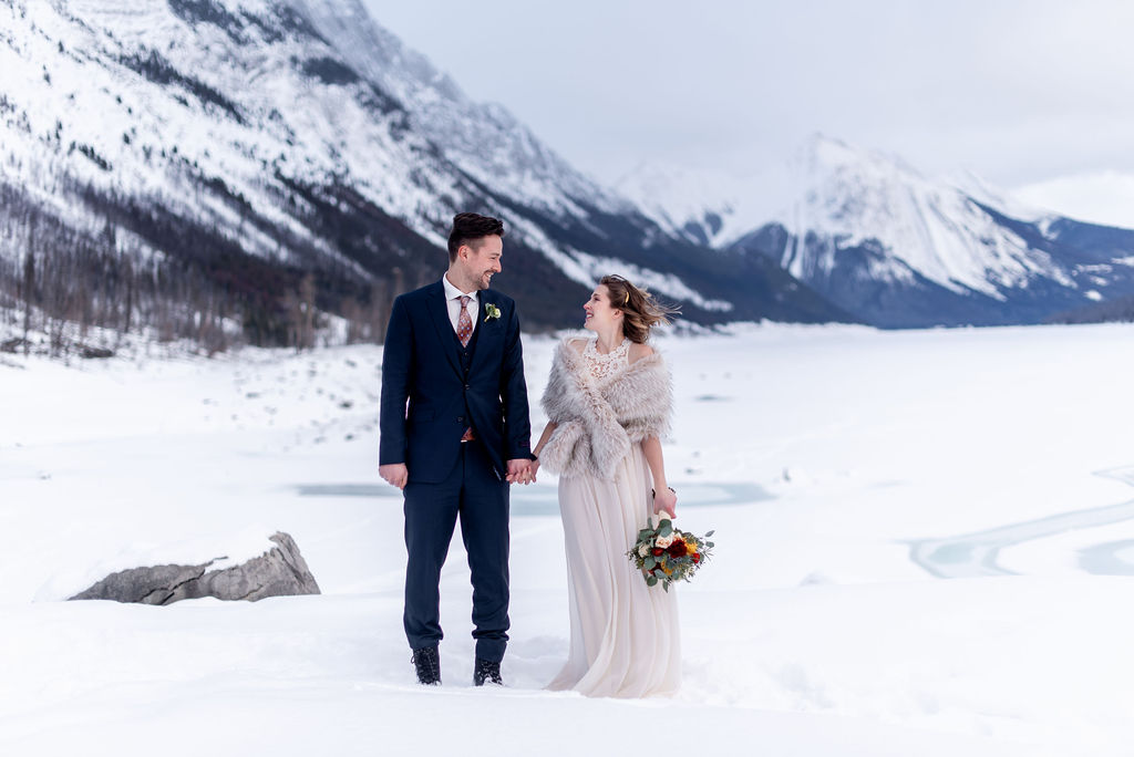 Winter mountain elopement inspiration in Jasper National Park at Medicine Lake