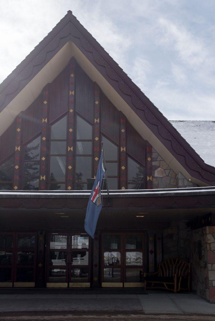 Front entrance of the Fairmont Jasper Park Lodge