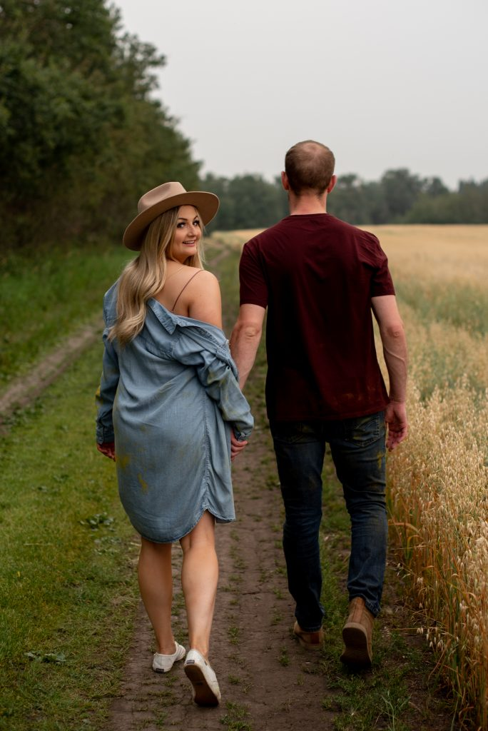 Engagement session outfit inspiration
